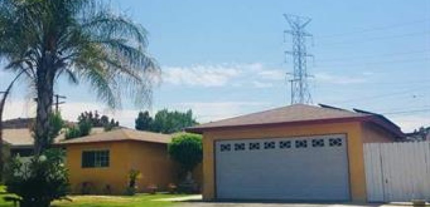 INVESTMENT PROPERTY IN GLENDORA FOR SALE!!