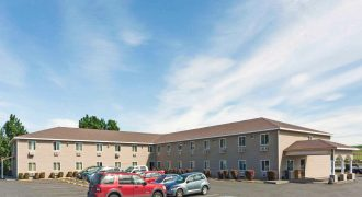 JUST LISTED! Super 8 Lewiston – Newly Rebranded Interior Corridor Hotel