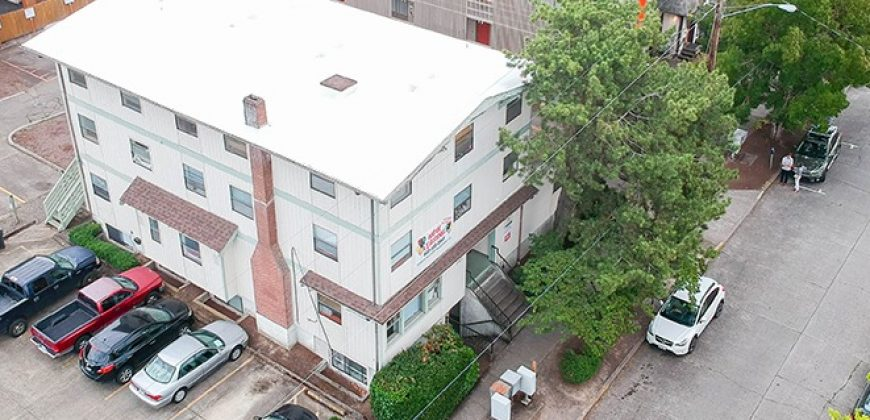 24 Bedroom Quad-style asset 1/2 block from Oregon State University