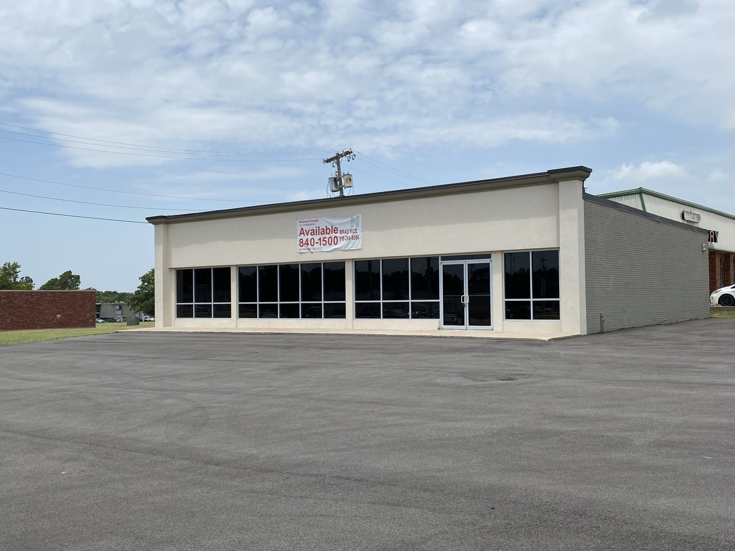 NEWLY WHITEBOXED RETAIL SPACE FOR SALE ON ROUTE 66