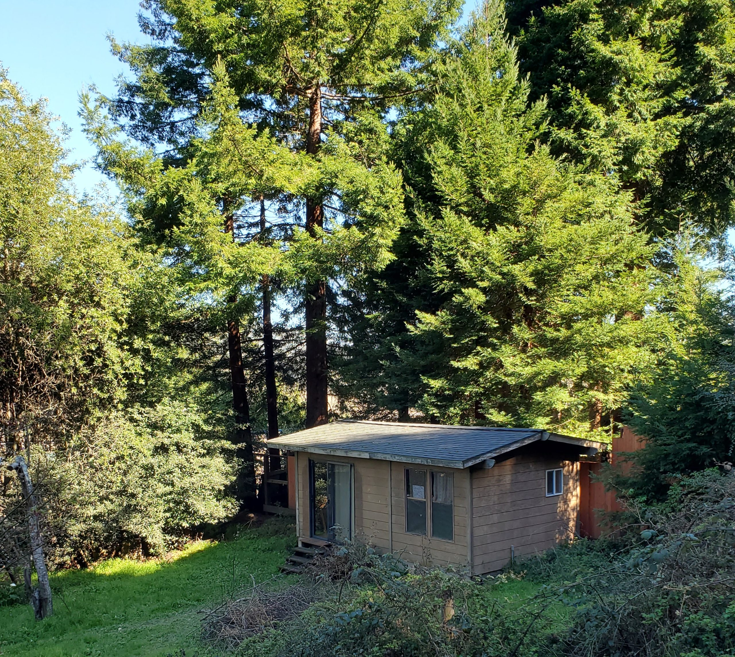 SFR with multiple rental buildings, excellent tenants, turnkey property in desirable West Marin, CA